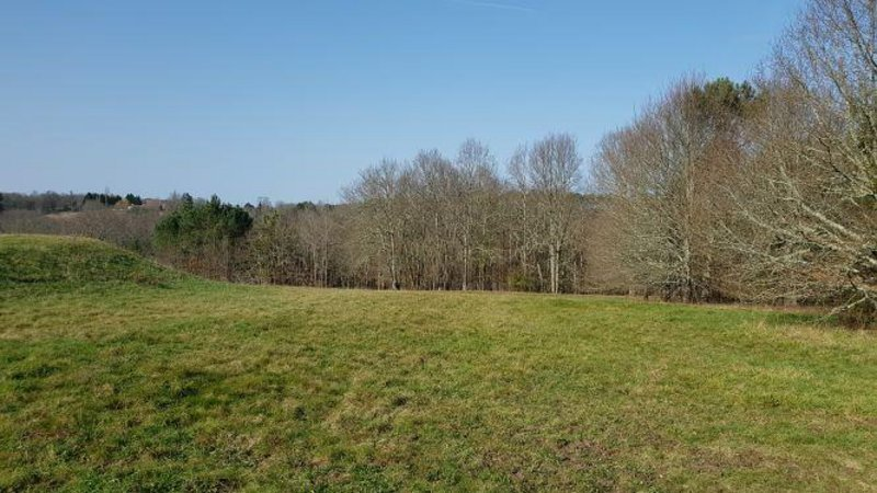Terrain, 2 460 m² Les M…