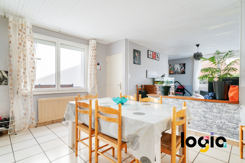 Maison, 95 m² DOMBA…