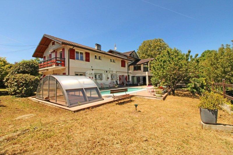 Maison, 360 m² Réf. …