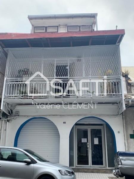 Immeuble, 300 m² Au co…