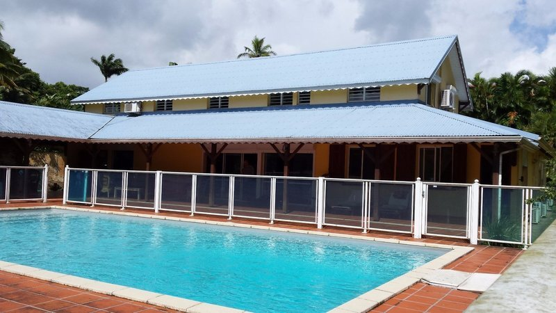 Maison, 260 m² A Pet…