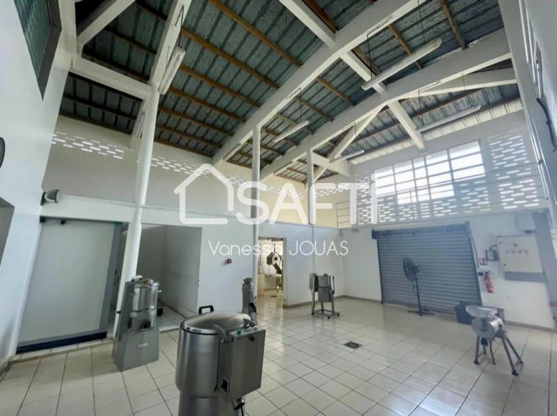 Divers, 200 m² Vanes…