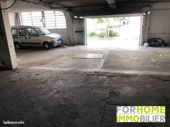 Parking, 12 m² L'AGE…