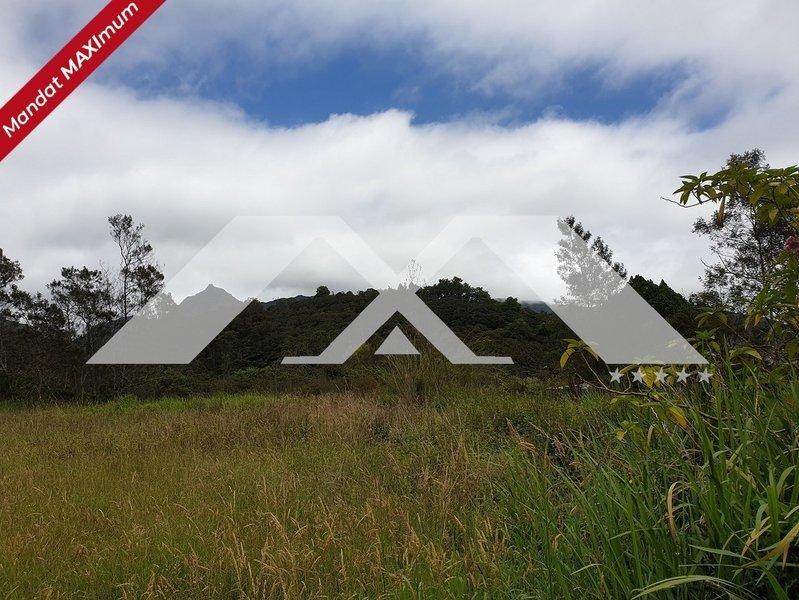 Terrain, 4 567 m² MAXIm…