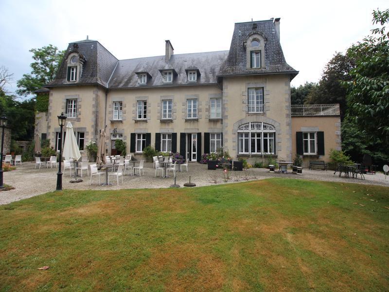 Maison, 1 200 m² P1811…