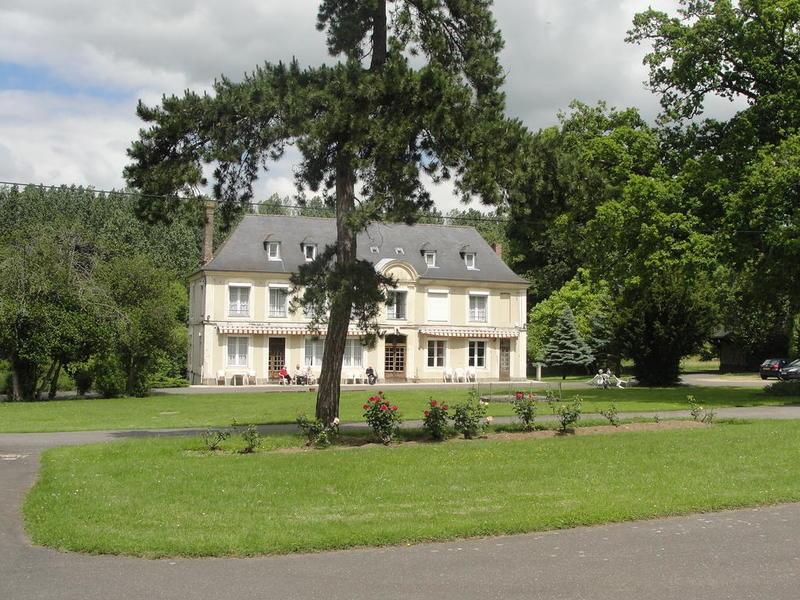 Maison, 1 200 m² Entre…