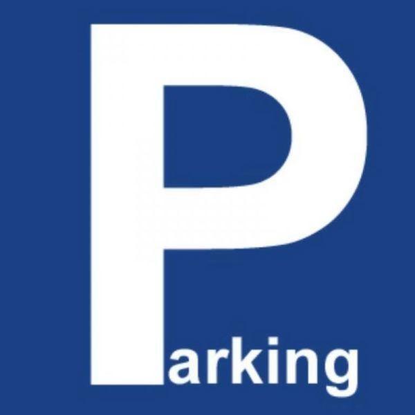 Parking Bois …