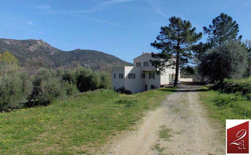 Maison, 360 m² Vend …