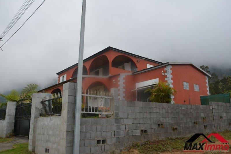 Maison, 261 m² Maxim…