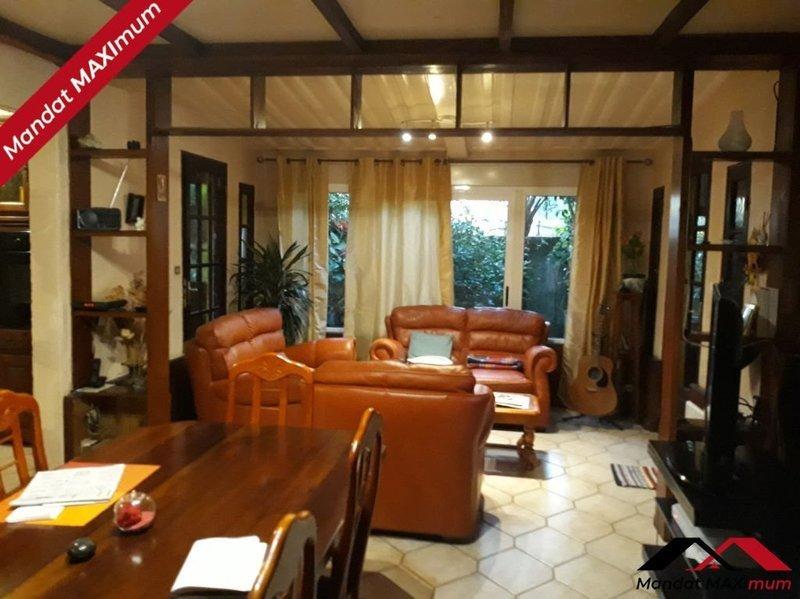 Maison, 210 m² A la …