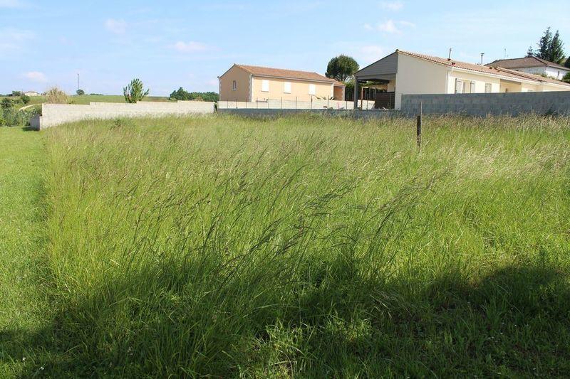 Terrain, 1 000 m² 16120…