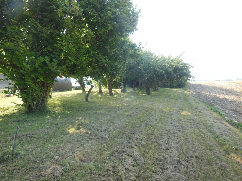 Terrain, 1 030 m² Situé…