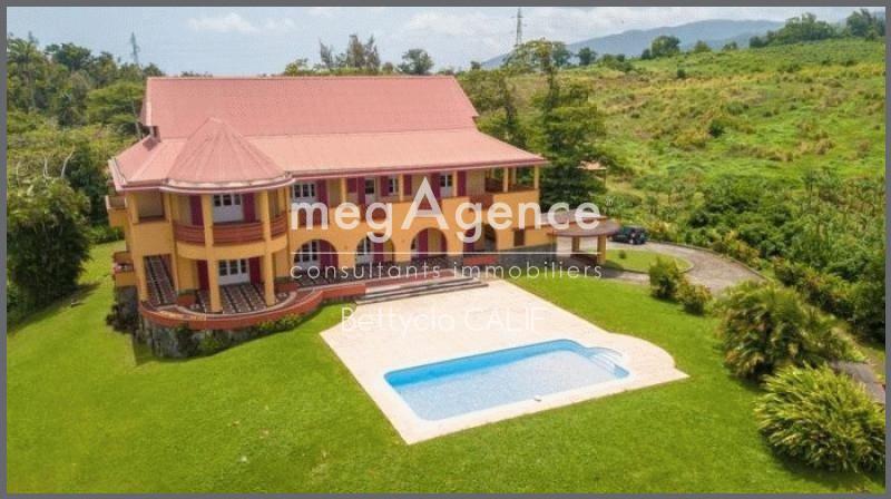 Maison, 400 m² Sur l…