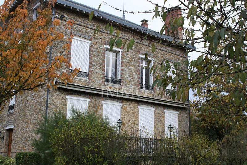 Maison, 420 m² À Roz…