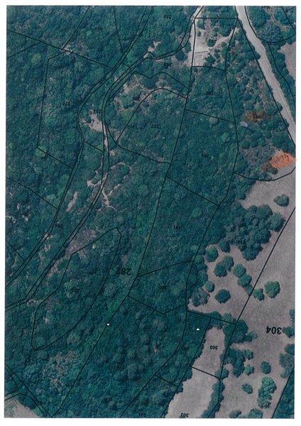 Terrain, 4 600 m² À Sot…