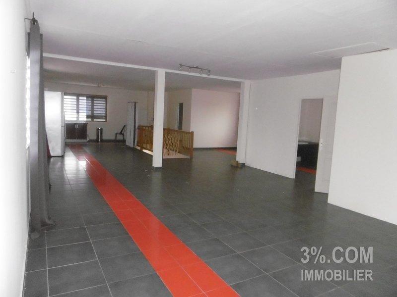 Immeuble, 274 m² L'age…