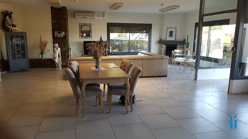 Maison, 546,2 m² Nous …