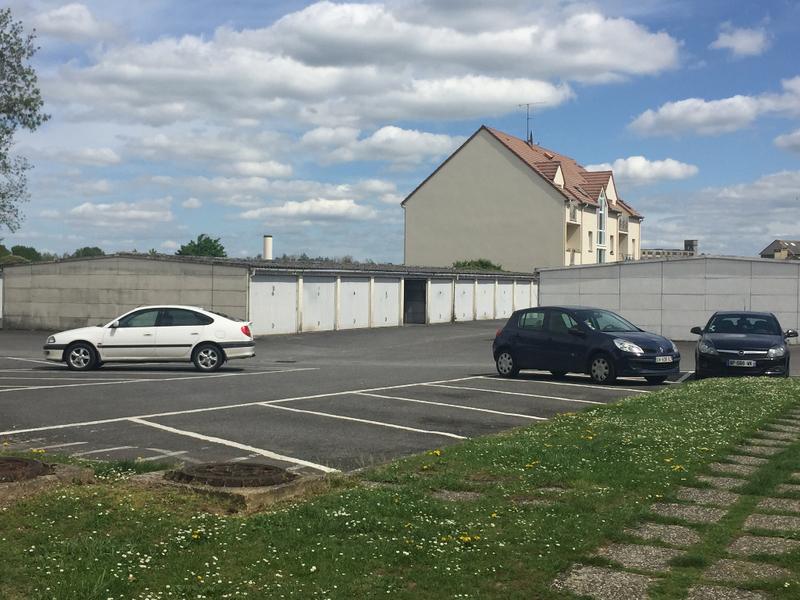 Parking Tout …
