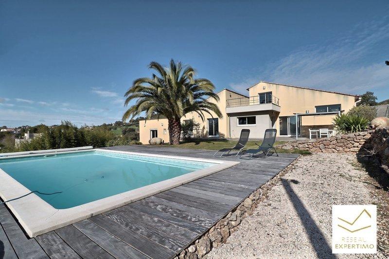 Maison, 145 m² Sur l…