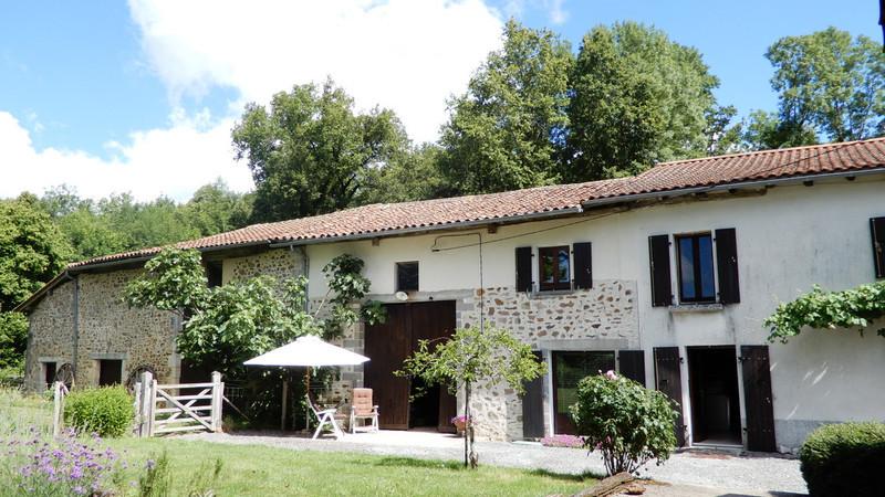 Maison, 250 m² A0630…