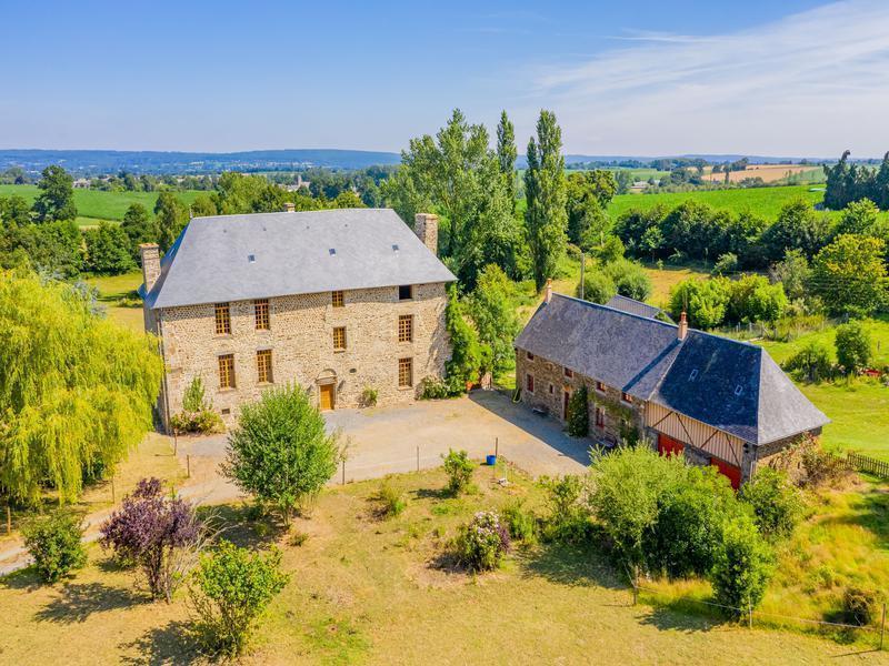 Maison, 450 m² 90422…