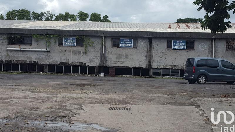 Divers, 1 800 m² IAD F…
