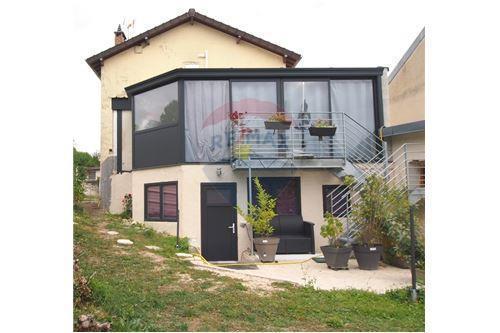 Maison, 137 m² À deu…