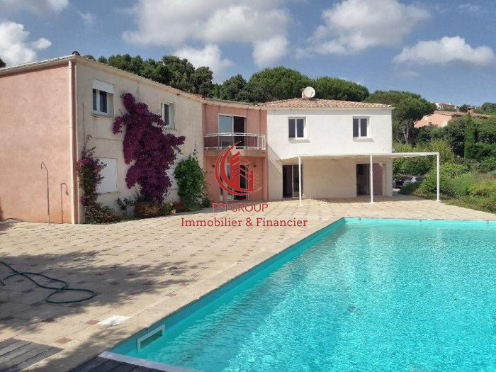 Maison, 230 m² 83240…