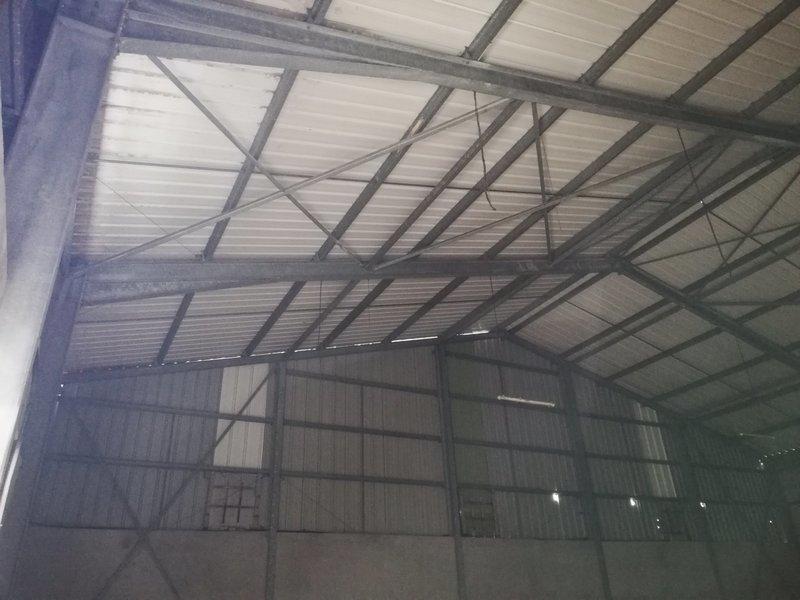 Divers, 300 m² A LOU…