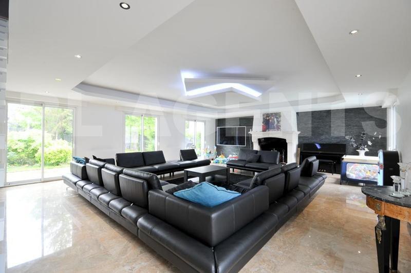 Maison, 427 m² SUCY-…