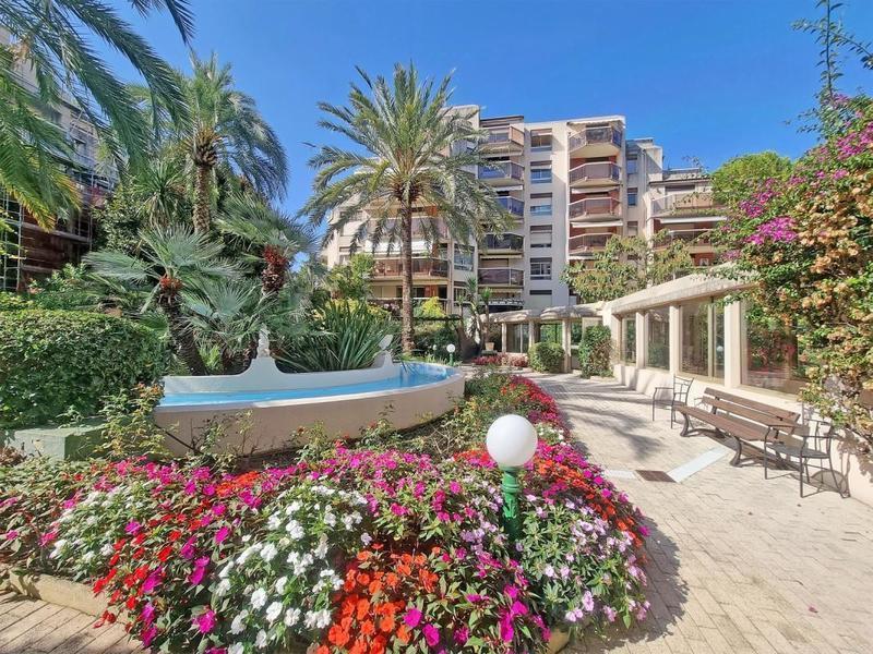 Appartement, 92 m² 06110…