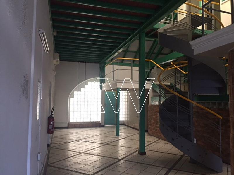 Divers, 200 m² EN EX…